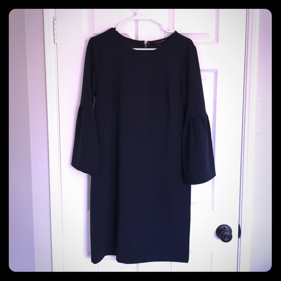 Banana Republic Dresses & Skirts - Banana Republic navy shift dress w/ bell sleeves M